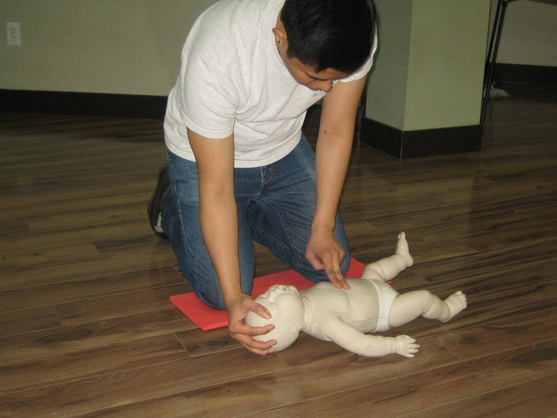 Standard childcare first aid and cpr level b training calgary standard childcare first aid and cpr level b training in calgary xflitez Choice Image